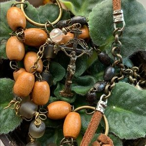 Jewelry - Wooden rosary necklace
